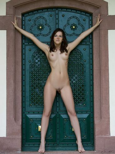 Kinky Brunette Eva Femjoy Turning Here And There To Let You Enjoy Her Nude Body