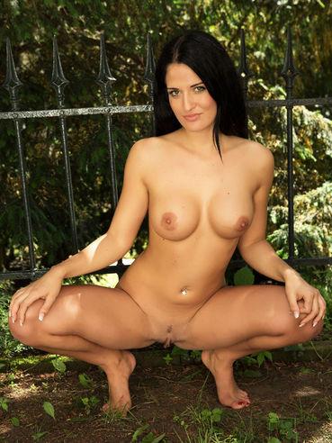 Nackter Playboy drumherum