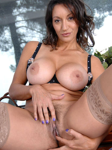 nude busty persia pussy