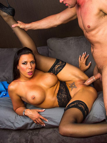 image Milf richelle ryan needs young cock only at naughty america