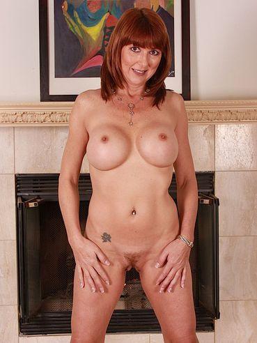 ebony short hair nude
