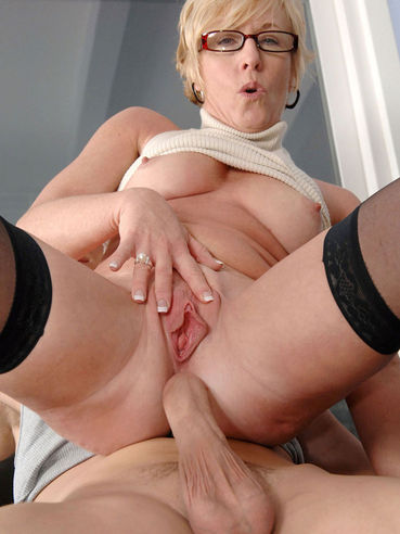 Blonde milf chanel carrera