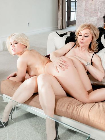 Real Kinky Blondes Nina Hartley And Ash Hollywood Are Pleasing Each Other With The Tongues