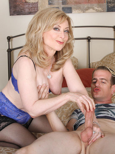 Big Love Machine Is Worked By The Experienced Lips And Hands Of Lewd Nina Hartley