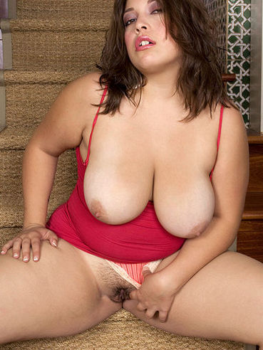 fat Nude latinas pussy with